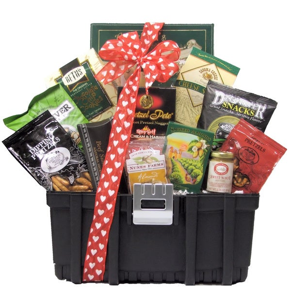 Great Arriavls Want To 'Tool' Around?: Valentine's Day Snack Gift Basket