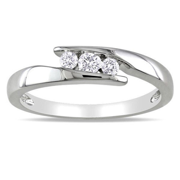 Miadora Sterling Silver 1/5ct TDW Diamond 3-stone Ring