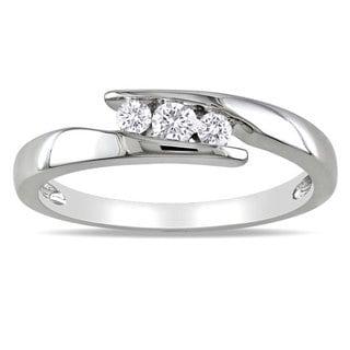 Miadora Sterling Silver 1/5ct TDW Diamond 3-stone Ring (G-H, I2-I3)