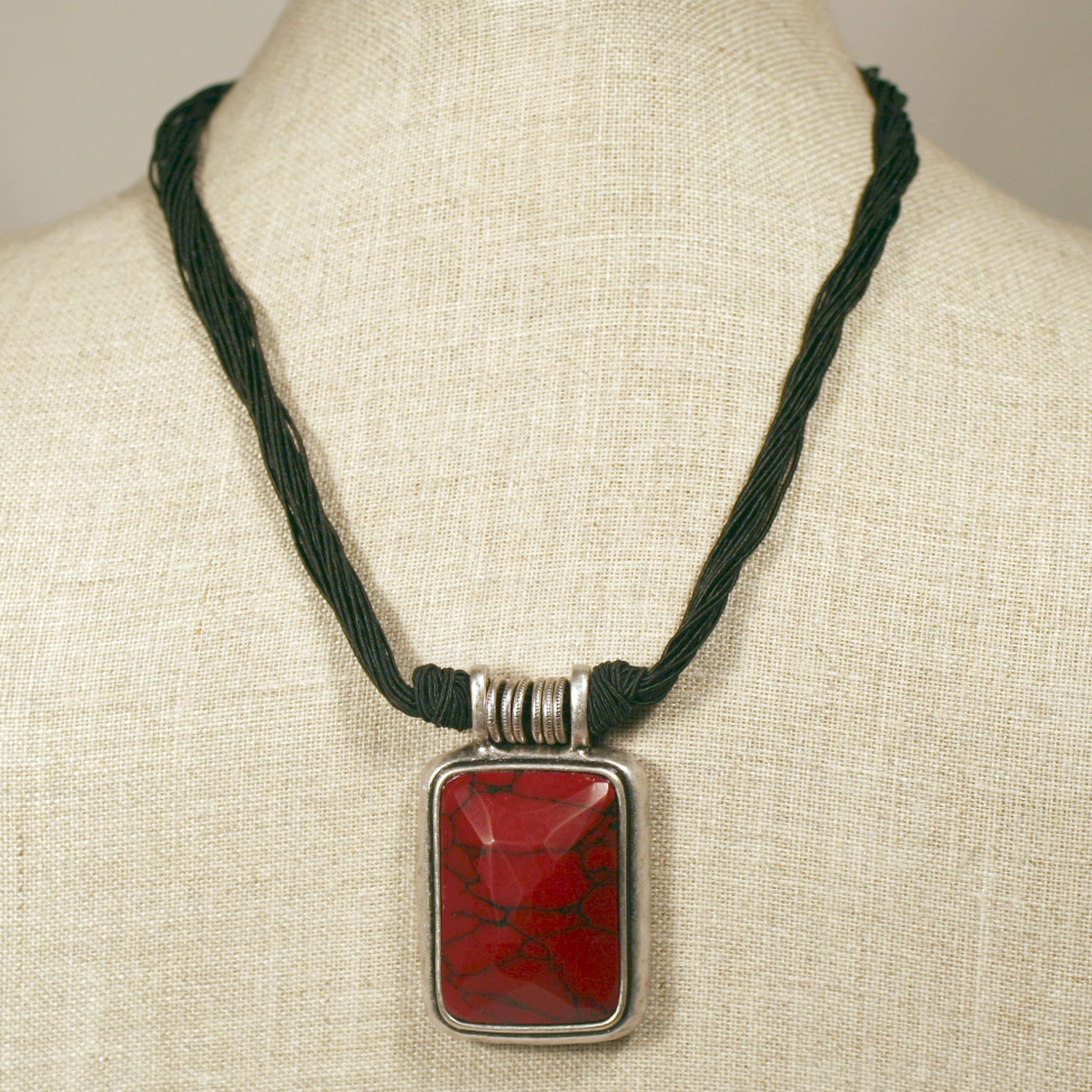 Peyote Bird Designs Crimson Necklace (China)