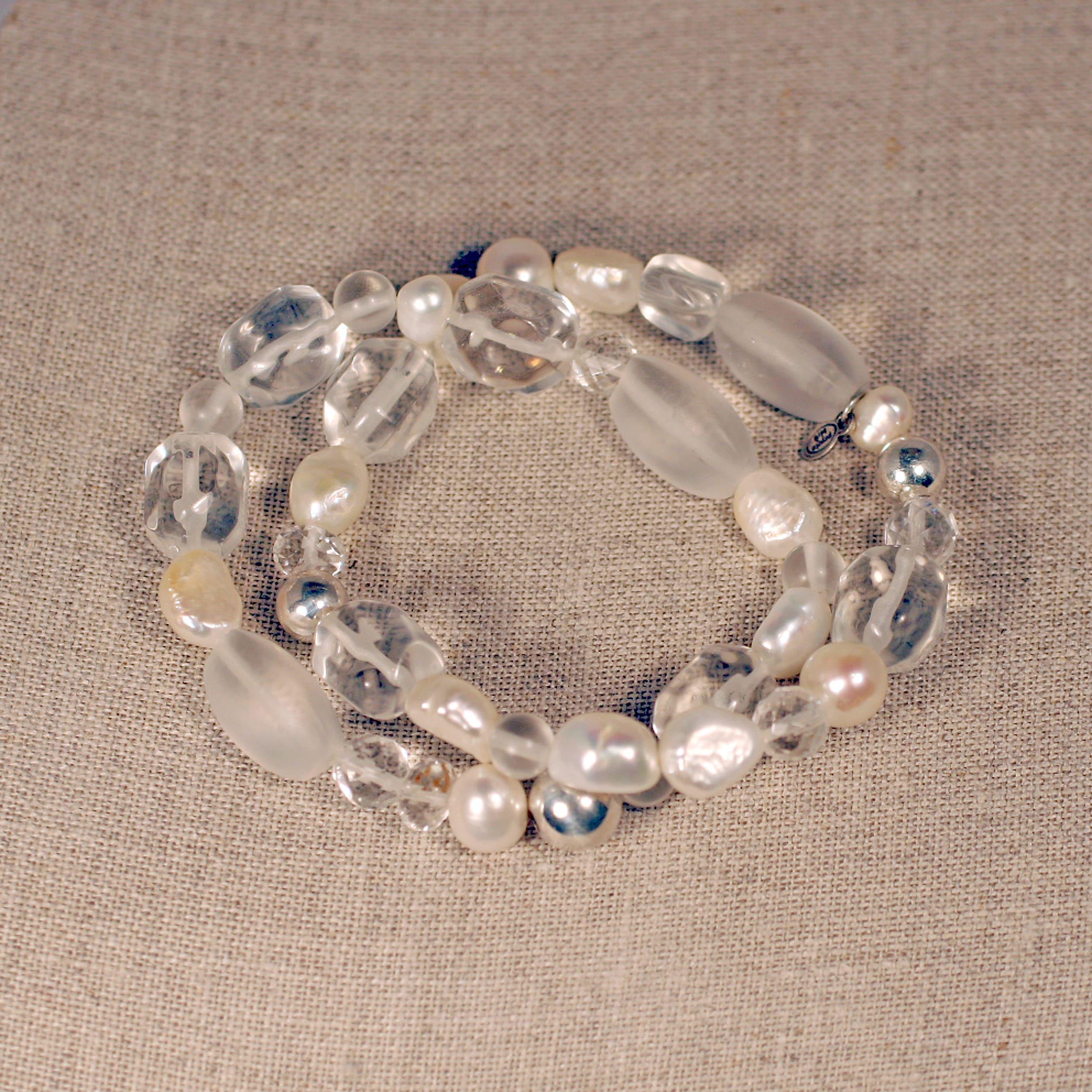 Peyote Bird Designs Silver Pearl and Quartz Stretch Bracelet (7-9 mm)(China)