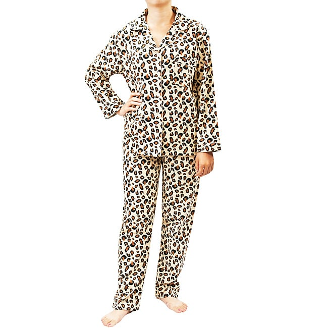 Leisureland Women's Wild Leopard Print Pajamas Set - Free Shipping ...