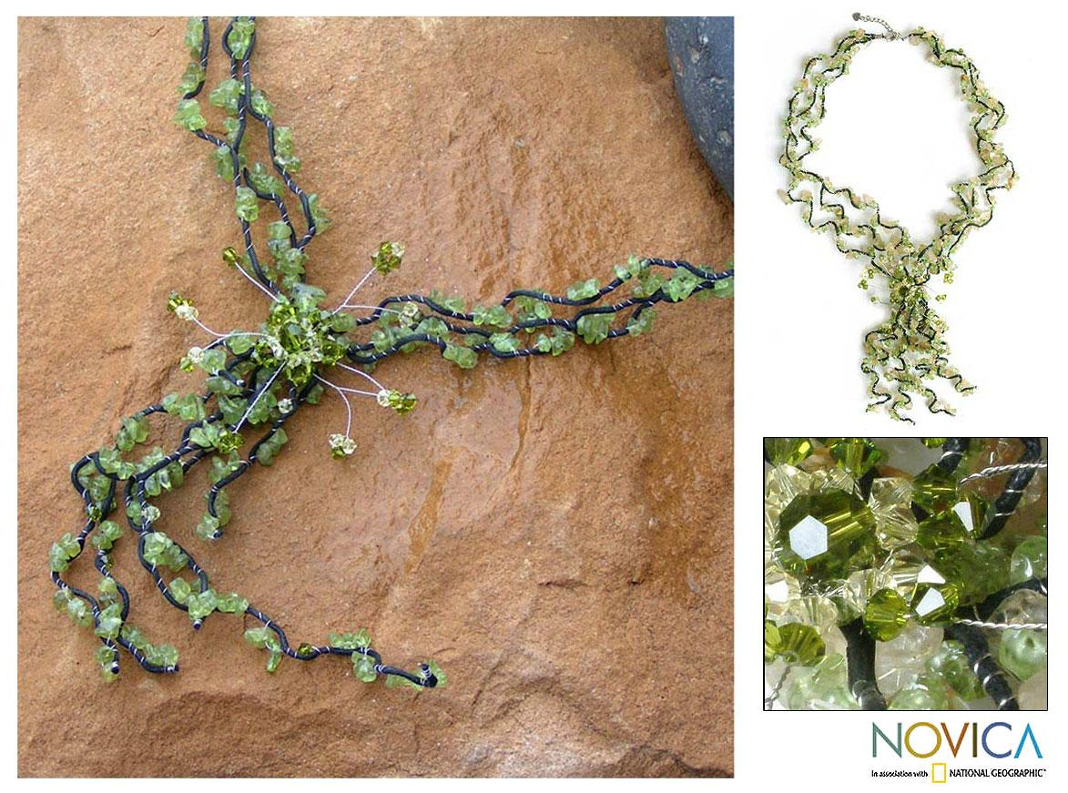 Handmade Peridot 'Garlands' Citrine Beaded Necklace (Thailand)
