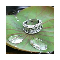 Sterling Silver 'Refinement' Ring (Indonesia)