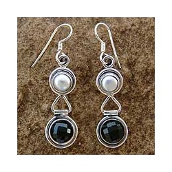 Sterling Silver 'Double Charm' Onyx and Pearl Earrings (6 mm) (India)