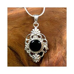 Handmade Sterling Silver 'Baroque Blossom' Onyx Necklace (India)