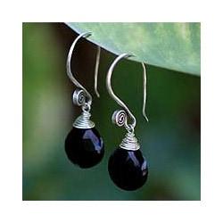 Handmade Sterling Silver 'Subtle' Onyx Dangle Earrings (Thailand)