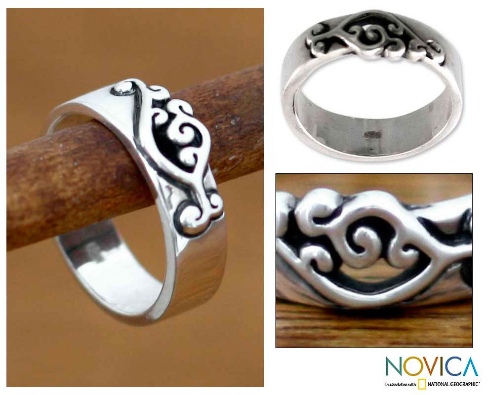 Sterling Silver 'Serenade' Band Ring (Indonesia)