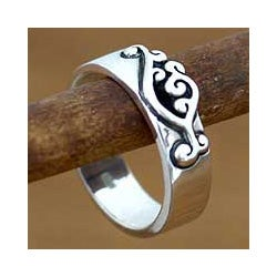 Handmade Sterling Silver 'Serenade' Band Ring (Indonesia)