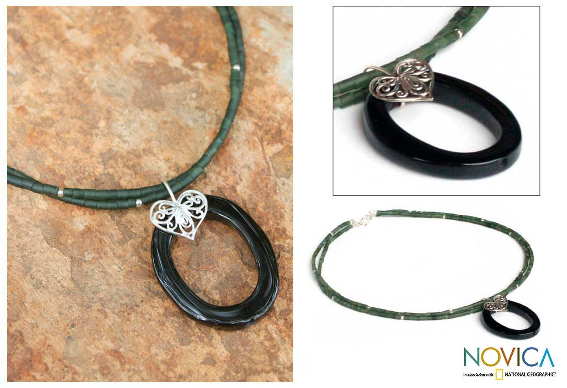 Handmade Sterling Silver 'Happy Heart' Onyx Chlorite Choker (Thailand)