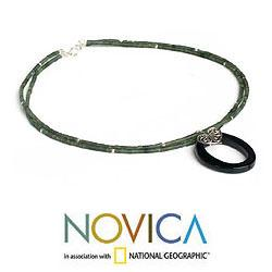 Handmade Sterling Silver 'Happy Heart' Onyx Chlorite Choker (Thailand) - Thumbnail 1