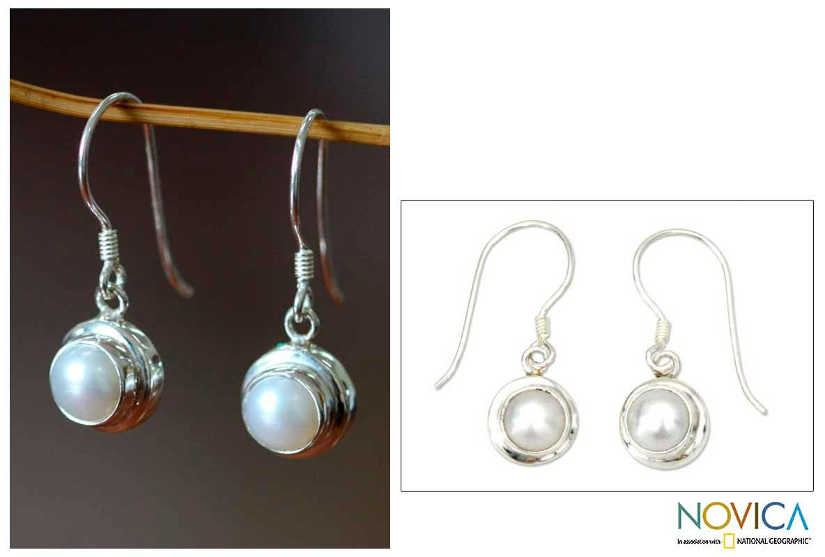 Handmade Sterling Silver 'Full Moon' Pearl Earrings (6 mm) (Indonesia)