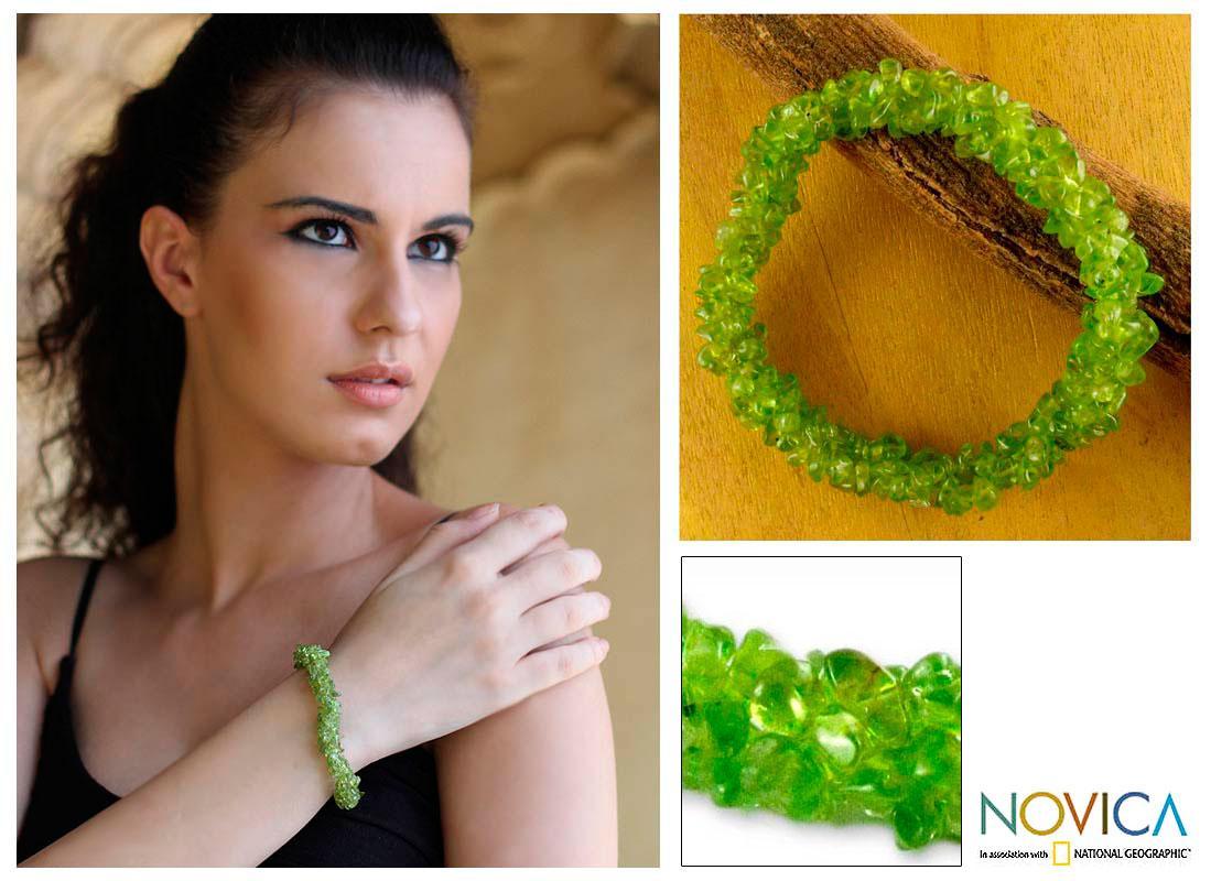 Handmade Peridot 'Nature's Muse' Stretch Bracelet (India)