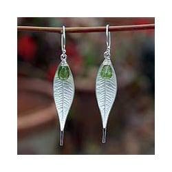 Sterling Silver 'Tropical Leaf' Peridot Dangle Earrings (Thailand)