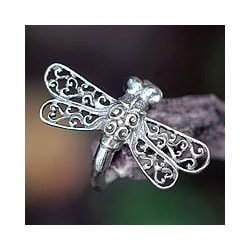 Handmade Sterling Silver 'Lucky Dragonfly' Cocktail Ring (Indonesia)
