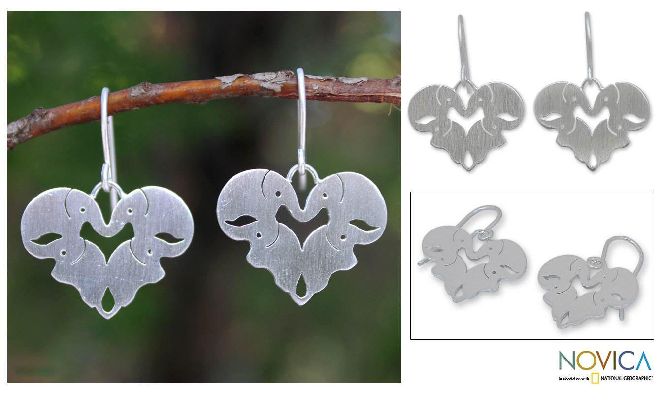 Handmade Sterling Silver 'Sweetheart Elephants' Heart Earrings (Thailand)