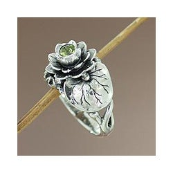Handmade Sterling Silver 'Lotus Purity' Peridot Ring (Indonesia)