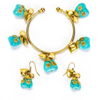 Goldtone Turquoise Heart Bracelet and Earrings Set (Thailand)