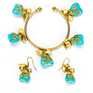 Goldtone Turquoise Heart Bracelet and Earrings Set (Thailand)