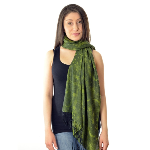 LA77 Women's Green Moon and Star Print Scarf