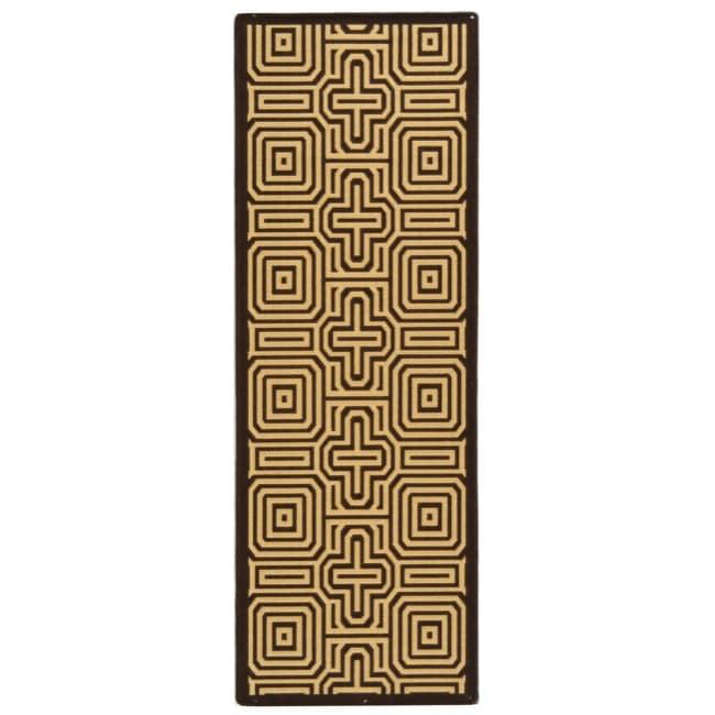 Safavieh Matrix Chocolate/ Natural Indoor/ Outdoor Rug (2'4 x 9'11)