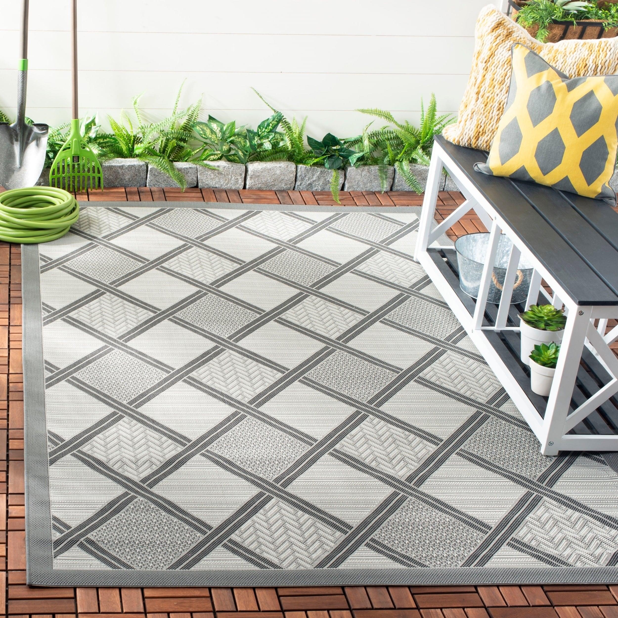 Shop Safavieh Light Graydark Grey Indooroutdoor Area Rug 4 X 5