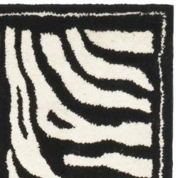 Safavieh Handmade New Zealand Wool Zebra Black and Ivory Rug (2'6 x 8') - Thumbnail 1