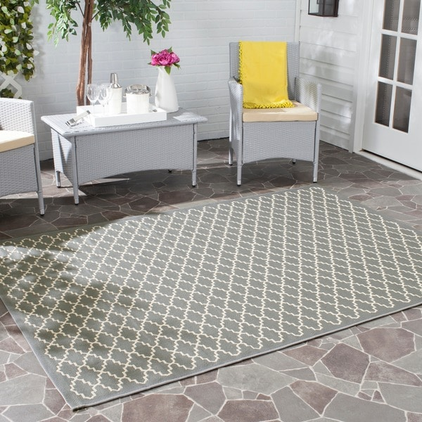 Safavieh Dark Grey/ Beige Indoor Outdoor Rug (6'7 Square)