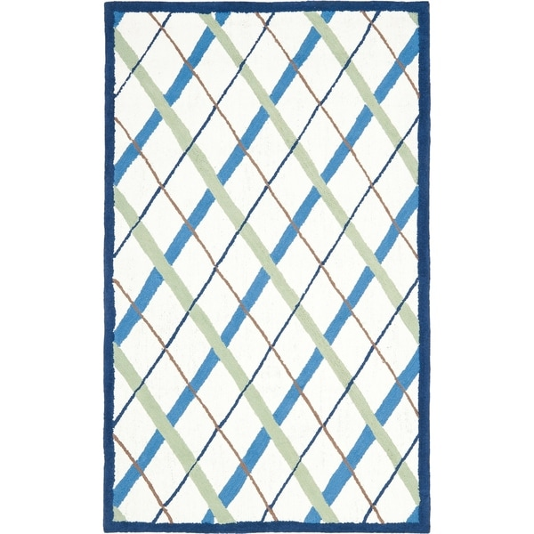 Safavieh Handmade Children's Diamonds Ivory/ Blue N. Z. Wool Rug - 3' x 5'