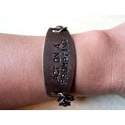 Classic Vintage 'Act on a Prompting' Brass/ Black Jade Bracelet (USA) - Thumbnail 1