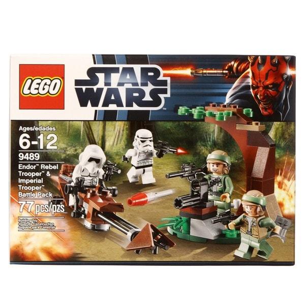 LEGO 9489 Endor Rebel Trooper and Imperial Trooper Play Set