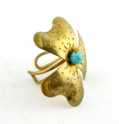 Goldtone Turquoise Bead Flower Ring (Thailand)
