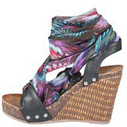Refresh by Beston Women's 'Shania-01' Black Platform Wedge Sandals