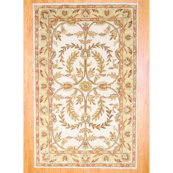 Indo Hand-tufted Mahal Ivory/ Gold Wool Rug (5' x 8')