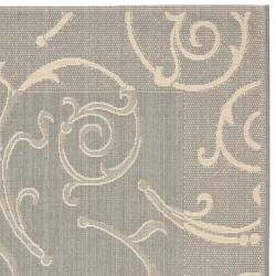 Safavieh Oasis Scrollwork Grey/ Natural Indoor/ Outdoor Rug (9' x 12') - Thumbnail 1