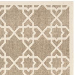 Safavieh Courtyard Geometric Trellis Brown/ Beige Indoor/ Outdoor Rug (4' x 5'7) - Thumbnail 1