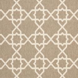 Safavieh Courtyard Geometric Trellis Brown/ Beige Indoor/ Outdoor Rug (4' x 5'7) - Thumbnail 2