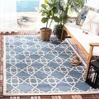 """Safavieh Courtyard Geometric Trellis Blue/ Beige Indoor/ Outdoor Rug - 4' x 5'7"""""""