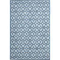 """Safavieh Blue/Beige Indoor/Outdoor Geometric Rug (5'3"""" x 7'7"""") - 5'3 x 7'7"""
