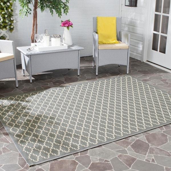 Safavieh Dark Grey/ Beige Indoor Outdoor Geometric Rug (8' x 11' 2)