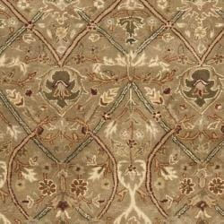 Safavieh Handmade Mahal Green/ Beige New Zealand Wool Rug (7'6 x 9'6) - Thumbnail 2