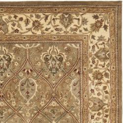 Safavieh Handmade Mahal Green/ Beige New Zealand Wool Rug (8'3 x 11') - Thumbnail 1