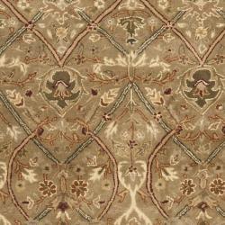 Safavieh Handmade Mahal Green/ Beige New Zealand Wool Rug (8'3 x 11') - Thumbnail 2