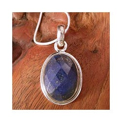 Handmade Sterling Silver 'Blue Destiny' Lapis Lazuli Necklace (India)