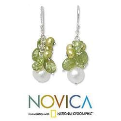 Handmade Sterling Silver 'Lime' Peridot and Pearl Earrings (4-8.5 mm)(Thailand) - Thumbnail 1