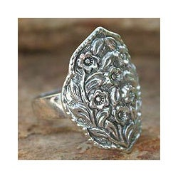 Sterling Silver 'Floral Honor' Cocktail Ring (Thailand)