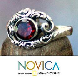 Sterling Silver 'Princess of Celuk' Garnet Solitaire Ring (Indonesia) - Thumbnail 1