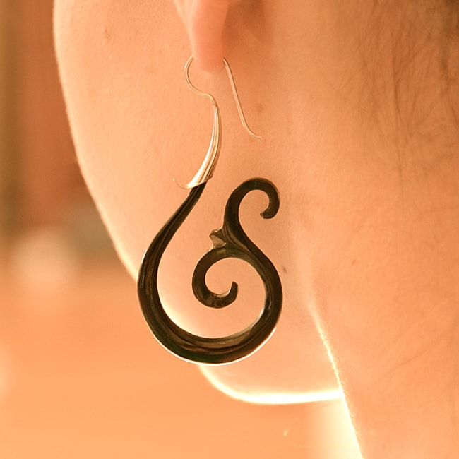 Handmade Sterling Silver 'Dancing Fin' Horn Earrings (Indonesia)
