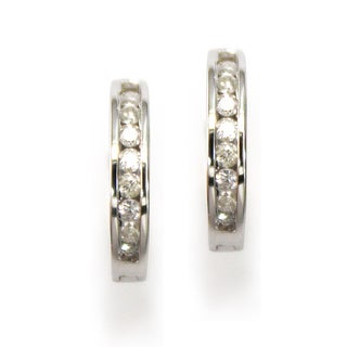 10k White Gold 1/4ct TDW Diamond Hoop Earrings (K-L, I3)