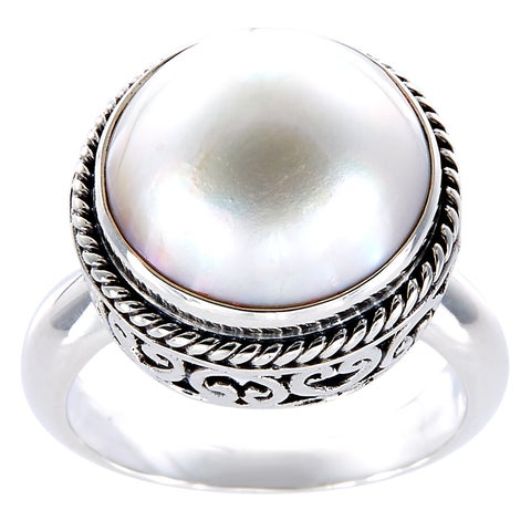 Handmade Antiqued Sterling Silver Mabe Pearl Bali Filigree Ring (12 mm) (Indonesia) - White